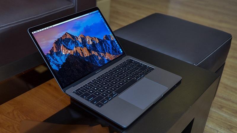 Apple mở rộng thời gian thay thế miễn phí màn hình lỗi đèn nền trên MacBook Pro 13 inch 2016